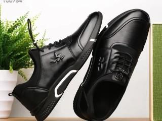 温州乔锐鞋业工厂直营免费招代理,男鞋女鞋微商一件代发